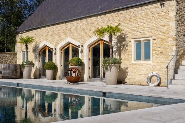 Cotswold Walling Stone Travertine paving
