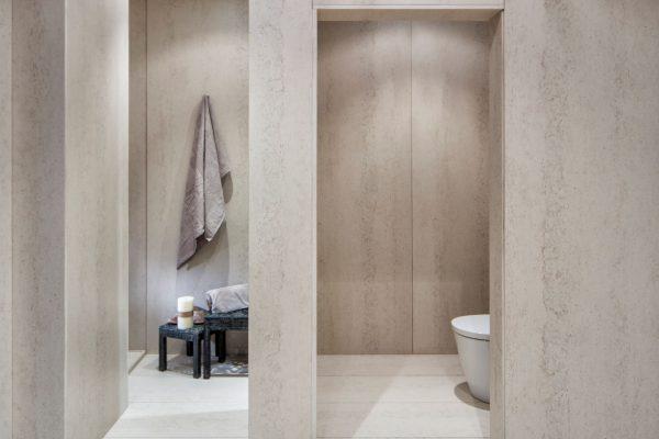 Danae bathroom 2