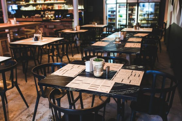 Restaurant Table with Belvedere Vein Cut 300dpi